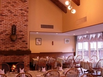 レストラン「アルムの森」