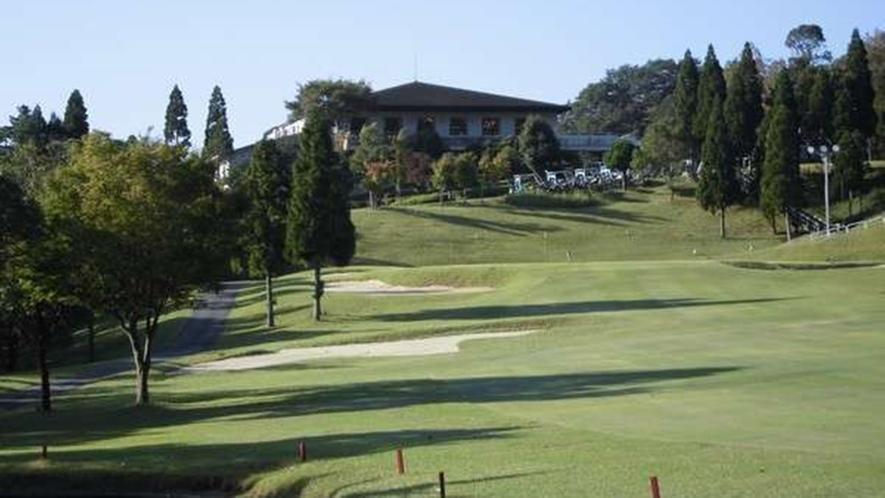 *【粟賀ゴルフ倶楽部】澄んだ空気の中でゴルフを満喫