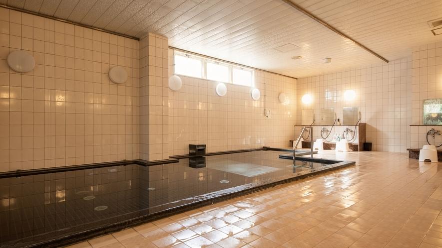*【大浴場】広々したお風呂に浸かって、日頃の疲れを癒してください