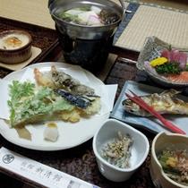 *【夕食例】地元の山川の恵みをどうぞお楽しみ下さい。