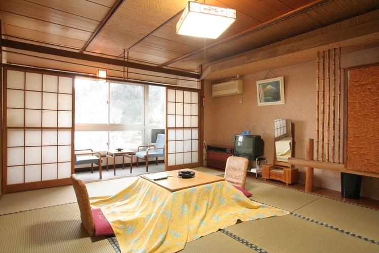 客室和室13畳