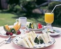 ある日の朝食の一例、テラスでもOK