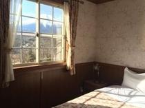 当館は全室富士山ビュー★お部屋からはこのように富士山が眺められます。