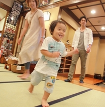 全館畳敷きで、足に気持ちよく子ども大満足!