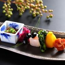 ■冬の前菜一例。彩鮮やかに新春の歓びを。