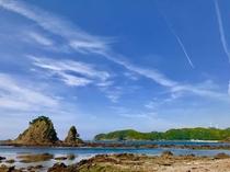 目の前の逢ケ浜は潮の満ち干きで姿を変えます。
