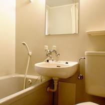 villaにはユニットバスとトイレが完備★アメニティは付いておりませんので、ご持参下さい。