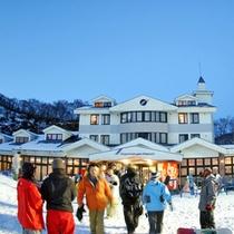 【余呉高原スキー場】良質のパウダースノーと山頂から望む日本海の景色には感動!