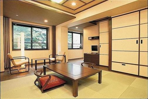 部屋食 和室/冷暖房完備/バス又シャワー室/トイレ付