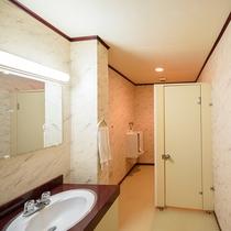 一階共同トイレ