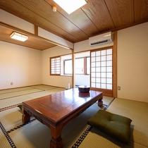 【和室12畳 トイレ付き】