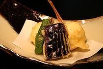 さらっと軽く揚げた季節の魚と野菜はホクホク