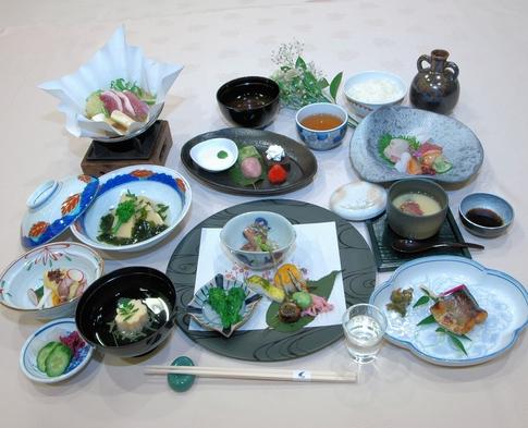 ☆夜のお出かけに最適☆【17:30〜夕食開始】会席料理で京都満喫♪プラン