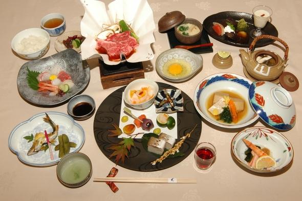 ★お子様2名様まで100円!★【18:30〜夕食開始】会席料理で京都満喫♪プラン