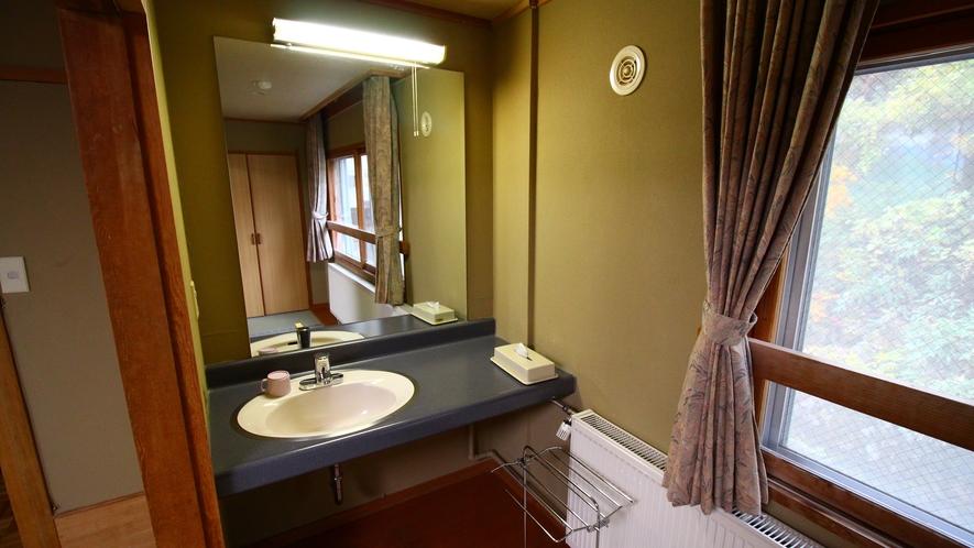グループに◎広め客室【15~18畳】洗面スペース一例