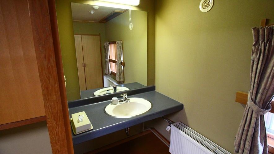 リーズナブル客室【和室10~13畳】洗面スペース一例