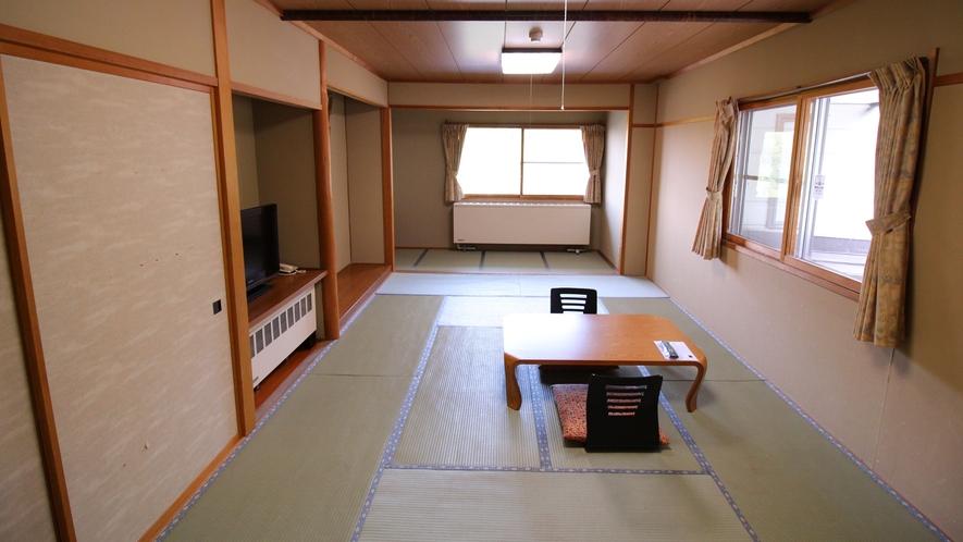 自然を望む眺望客室【和室15~17畳】広めの和室でおくつろぎください