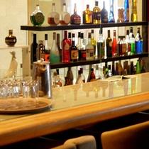 *【バーカウンター】2F/『クラブNENE』新潟の銘酒などを豊富に取り揃えております