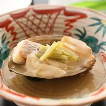 *【太閤御膳「松」】煮物2013春~秋/鯛はとろりとあんかけに…「鯛と鮑の湯葉山葵餡掛」