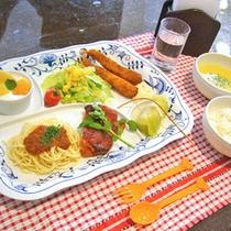 *【夕食】キッズプレート(一例)/小学生以下のお子様には、お子様プレートをご用意致します。