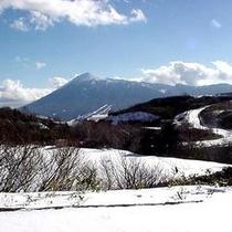 冬の八幡平・岩手山