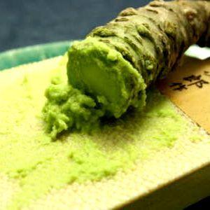 【お造りに添える生山葵】直前にすり下ろします。ステーキや白飯にのせてお召し上がりください!