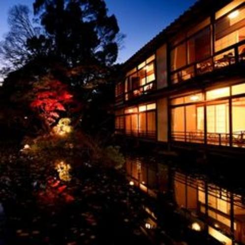 池の上に浮かぶ準特別室「桐の棟」