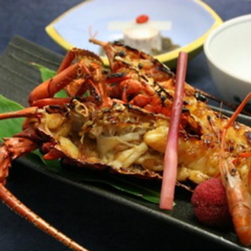【伊勢海老一例】鬼殻焼きでご賞味いただけます。(7〜9月は禁漁)