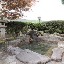 【露天風呂】九重の大自然に囲まれた癒しの露天風呂。疲れも一気にとれます!