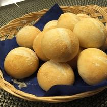 ふわふわの自家製パン!