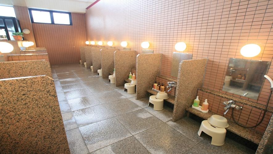 洗い場(男女各17箇所)