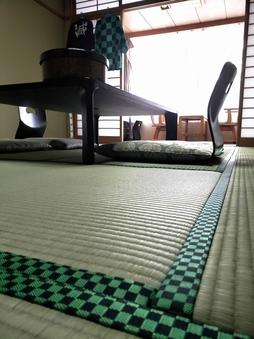 話題のアニメ 『市松模様縁』の畳部屋