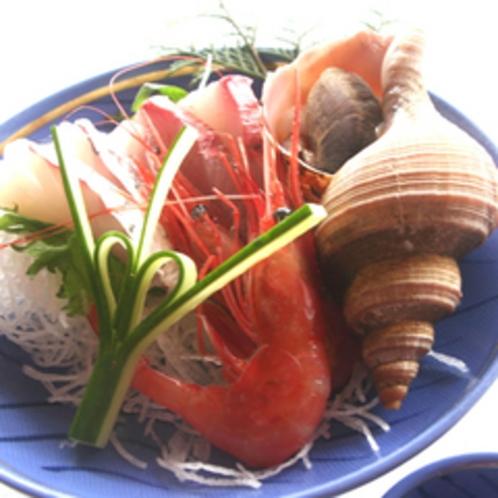 *ご夕食イメージ:越前港で水揚げされた魚介のお刺身三種盛り