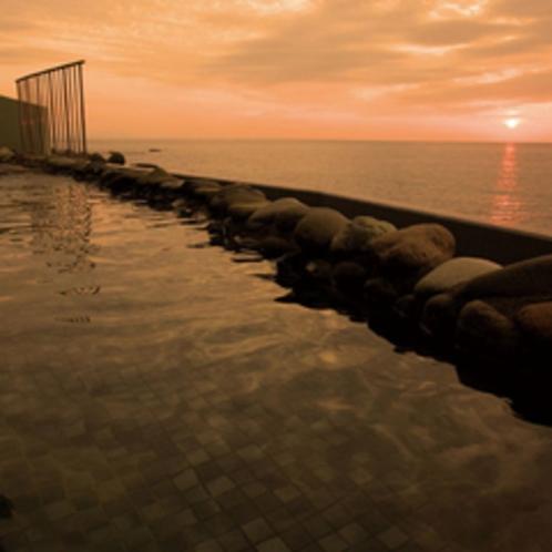 *「越前町温泉施設」海に沈む夕日を眺めながら温泉を満喫♪