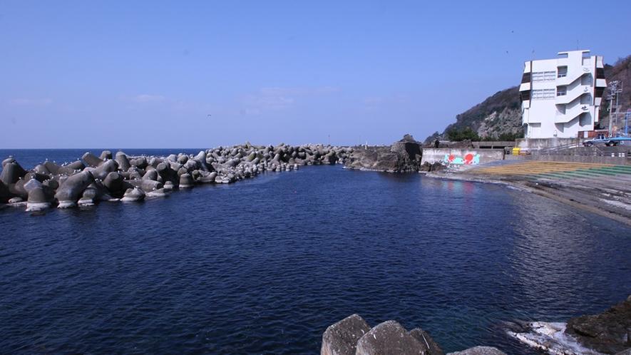 昼間の外観(海側)