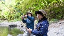 夏は周辺の清流で鮎釣りが楽しめます
