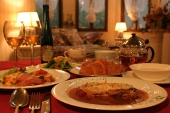 記念日は離れがオススメ◎ シェフの料理(菜彩鶏のレギュラーコース)を離れのスイートコテージでお得に♪