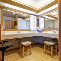 *【2階特別室 秀逢】贅沢なスペースの洗面台