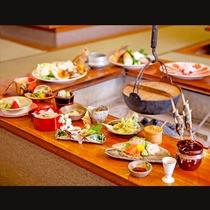 *【囲炉裏懐石】お昼のご提供メニュー 目で楽しむだけでなく焼きあがる香ばしい香りもお楽しみください。