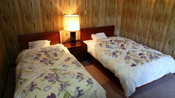 【離れ特別室】和室8畳/ツインベッドルーム/バス・トイレ付