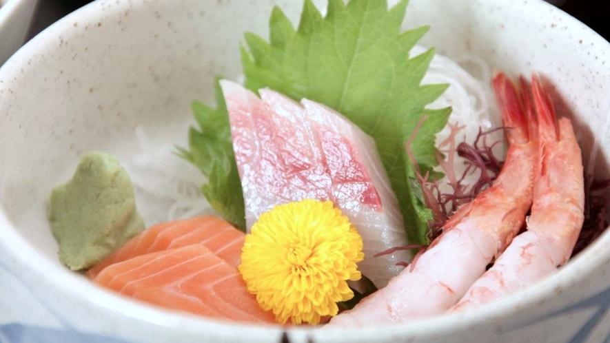 【冬の阿賀会席】献立一例/献立一例/お造り/日本海の鮮魚3点盛