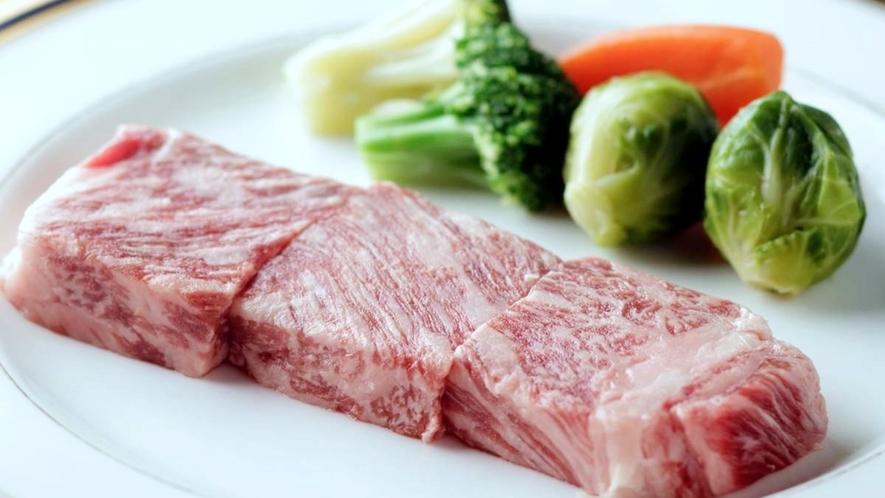 生産量が少なく大変希少な地元産牛肉「津川牛」