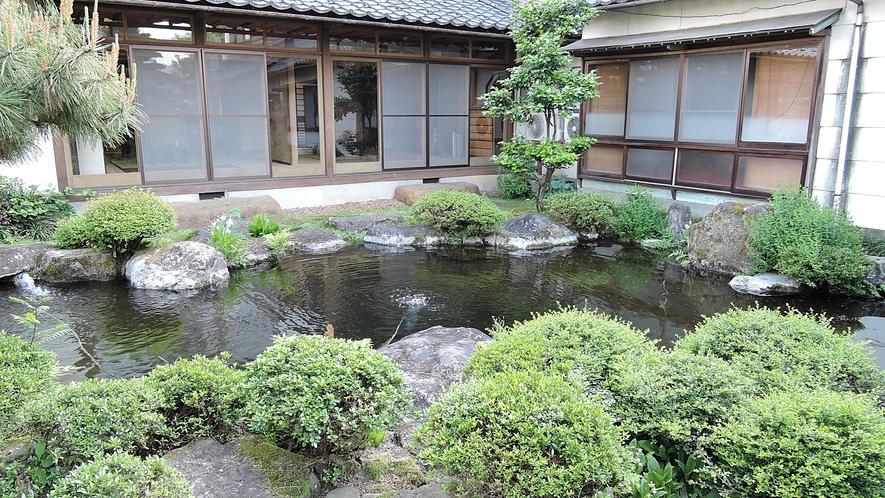 *全客室から日本庭園が眺められます