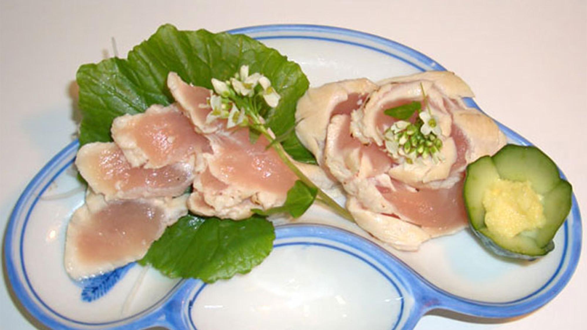 *【夕食(会津地鶏ささみ刺し)】福島の味覚をお楽しみ下さい。