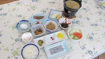 *【朝食一例】品数が多く、手作りの味が嬉しい和朝食。