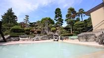 *庭園露天風呂(男湯)/開放感抜群の露天風呂は中ノ沢温泉随一です!