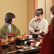 18:00〜20:00【夕食】季節ごとに手に入る地元の素材を使用しつつ、女性好みの彩り豊かな目にも楽しい会席