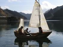 名栗湖に浮かぶカヌー