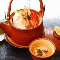 【料理】秋の味覚。旨みが凝縮した土瓶蒸し。