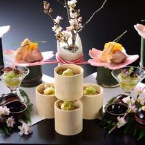 大松閣のスタンダードコースの一例。季節にあわせてお品書きを変更しております。(春)